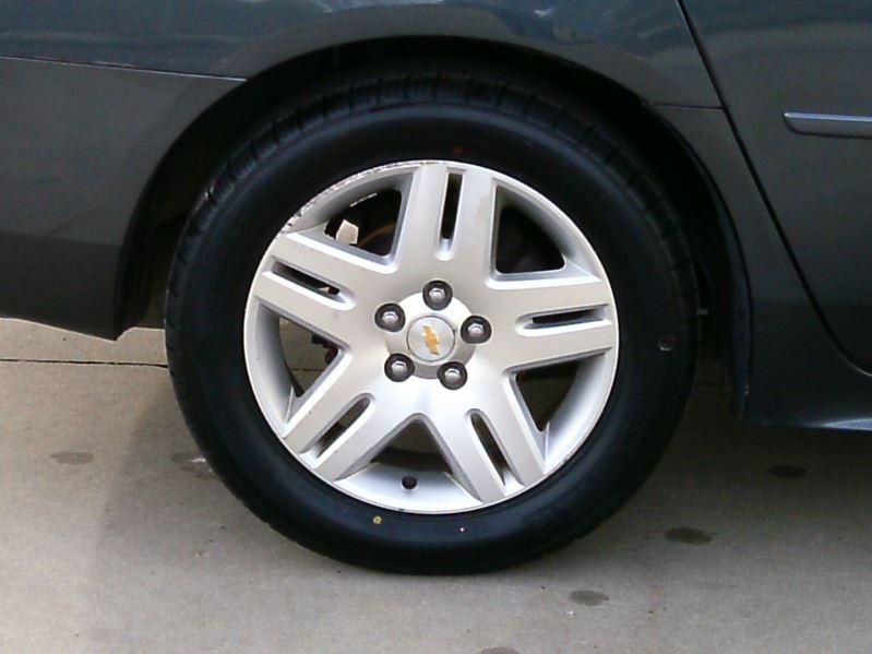 2010 Gray Chevrolet Impala Lt